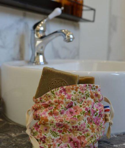 pochette à savons solide fabriqué en France upcyclés et shampoings solides