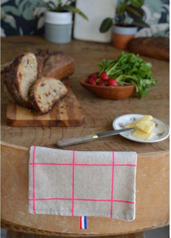 Serviette de table fabriqué en France pur lin carreaux fluo rose