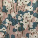 fleurs roses et bleues